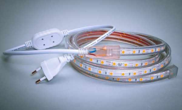 Длина LED-лент на 220 вольт составляет до 100 метров