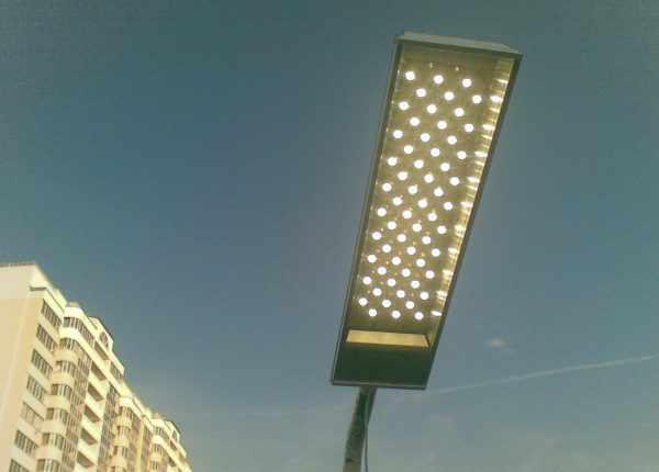 LED-светильник для установки на столбе