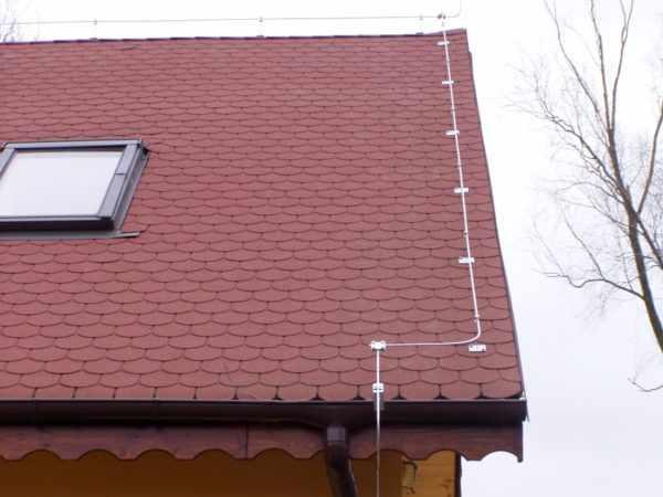 Молниезащита крыши коттеджа