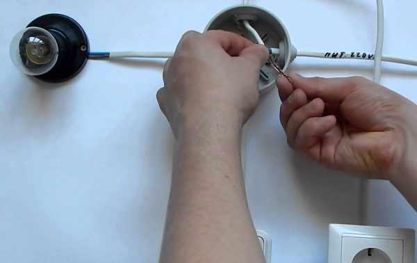 Подключение розетки к электрическому патрону