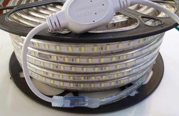 Герметичная LED-лента со степенью защиты IP68 применяется для подсветки бассейнов
