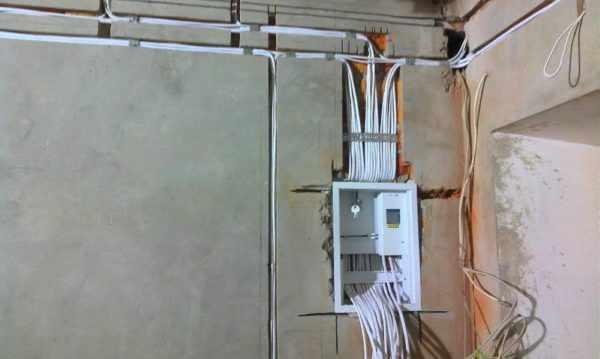 Укладка проводов в штробах