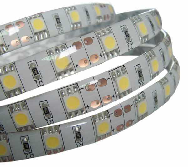 На кухне рекомендуется использовать герметичные светодиодные ленты