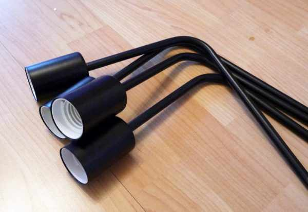 Крепление электрического патрона к трубке